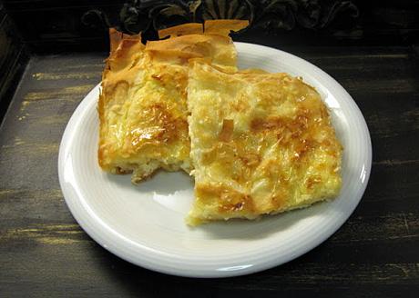 Filo-piirakka juusto-kananmunatäytteellä